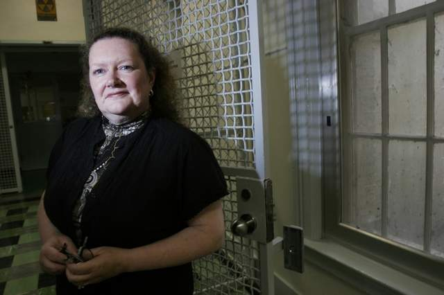 Linda Hammond, who steered construction of the Oregon State Hospital replacement project, will become interim director of the state office of addictions and mental health treatment programs.