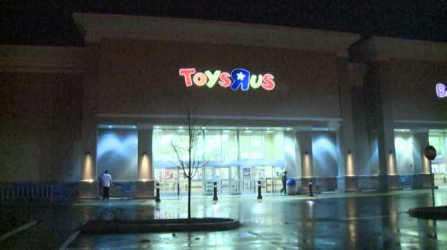 David Allen Canterbury has been sentenced to jail for waving a pair of toy light sabers at customers in Toys R Us.  No one was injured.  (Photo: KPTV.com)