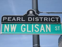 Pearl District Glisan sign