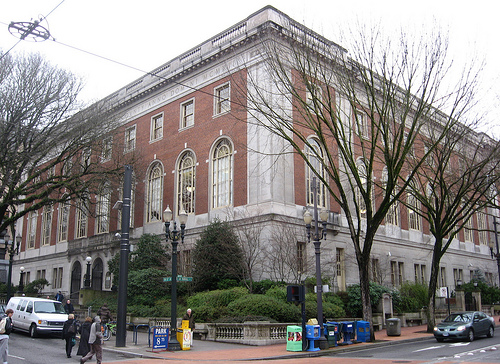 Multnomah County Library (Image: Padraic/Flickr.com)